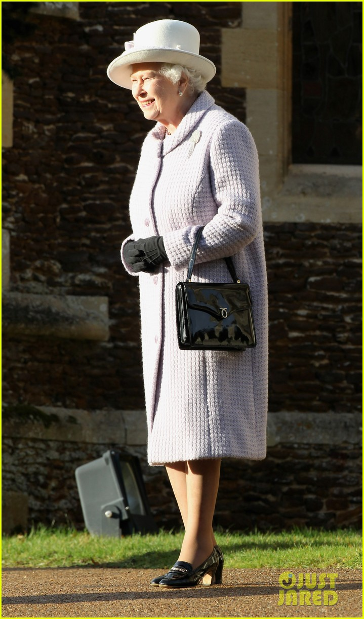 prince william kate christmas day service 132612441