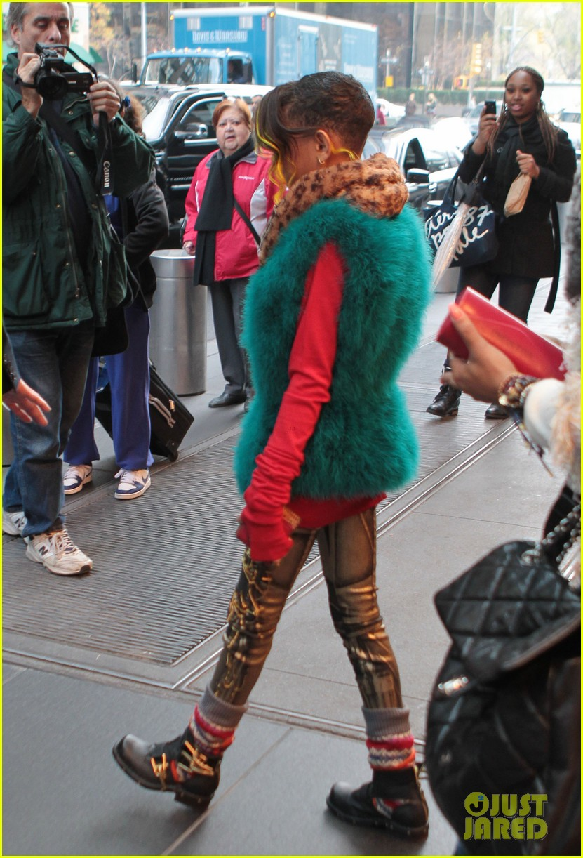 willow smith colorful nyc 02
