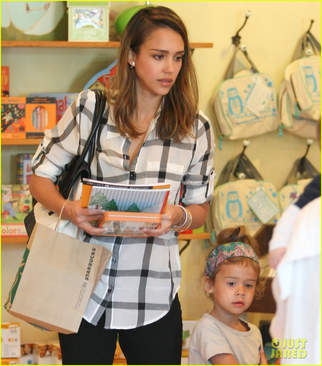 jessica alba shopping honor 05