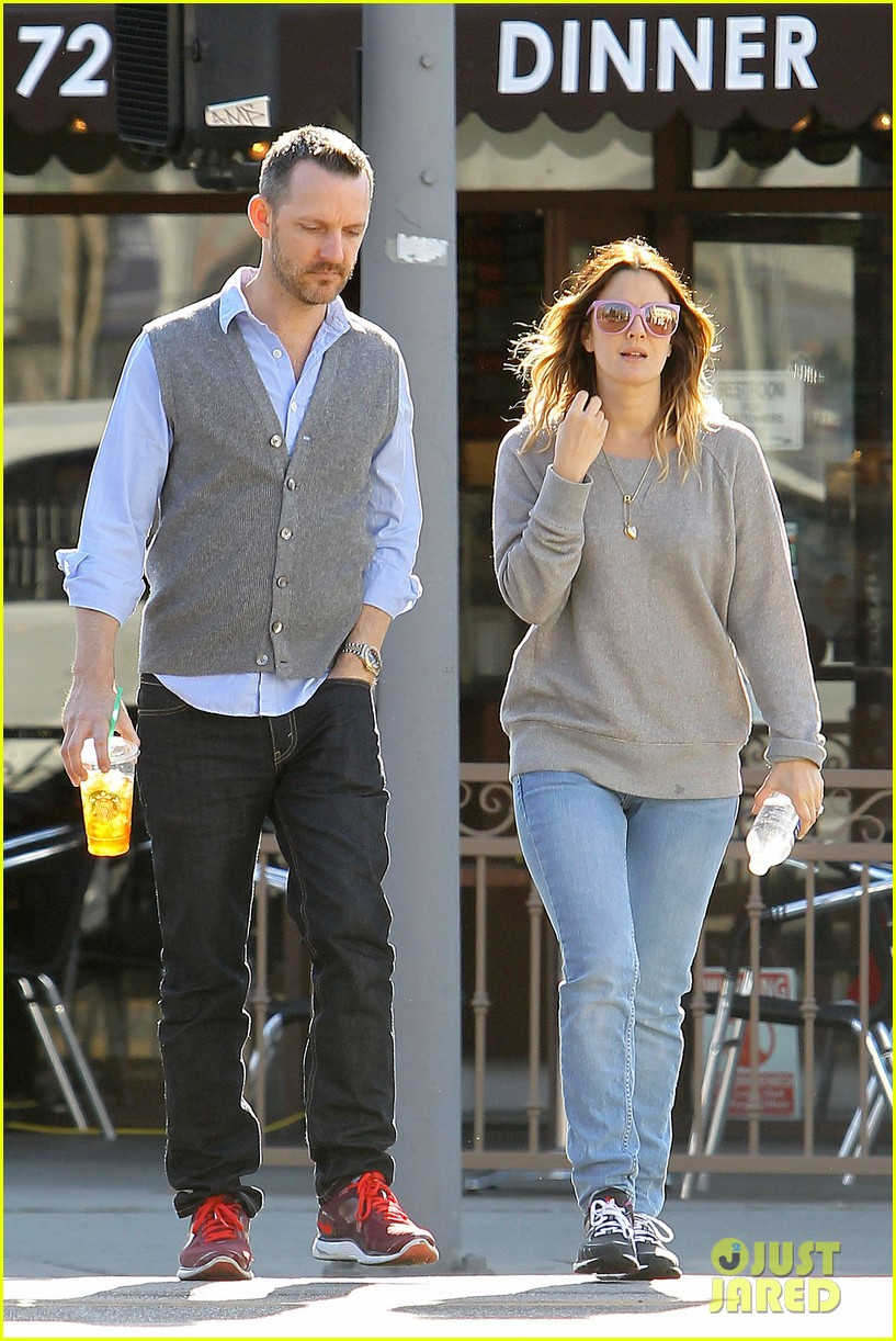 drew barrymore friend starbucks 032619394
