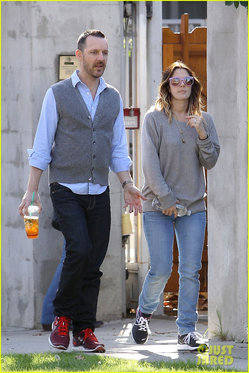 drew barrymore friend starbucks 042619395