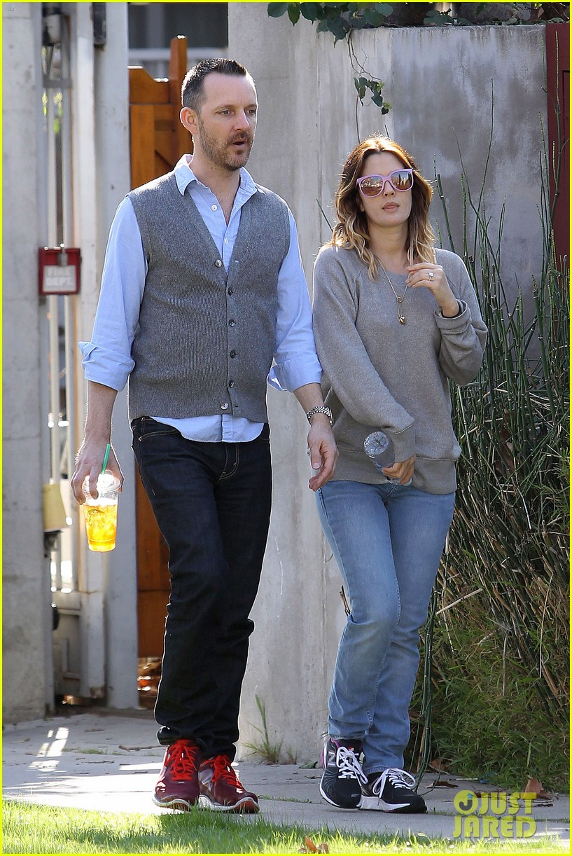 drew barrymore friend starbucks 16