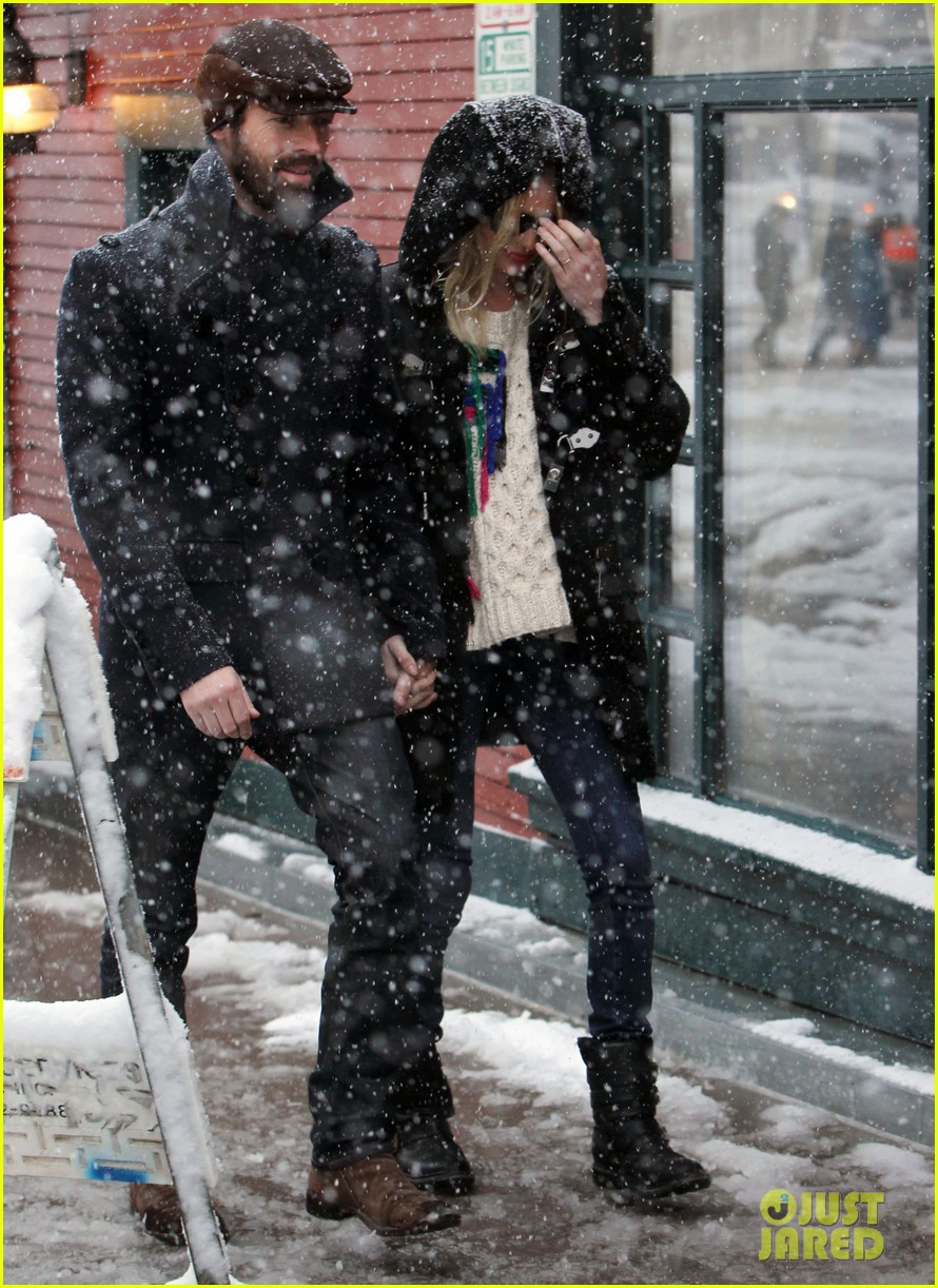 kate bosworth michael polish snowy sundance stroll 01