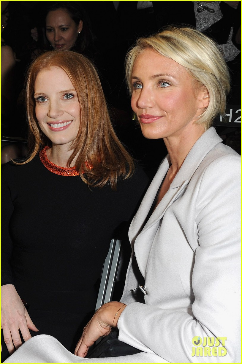 jessica chastain armani prive paris fashion week 02