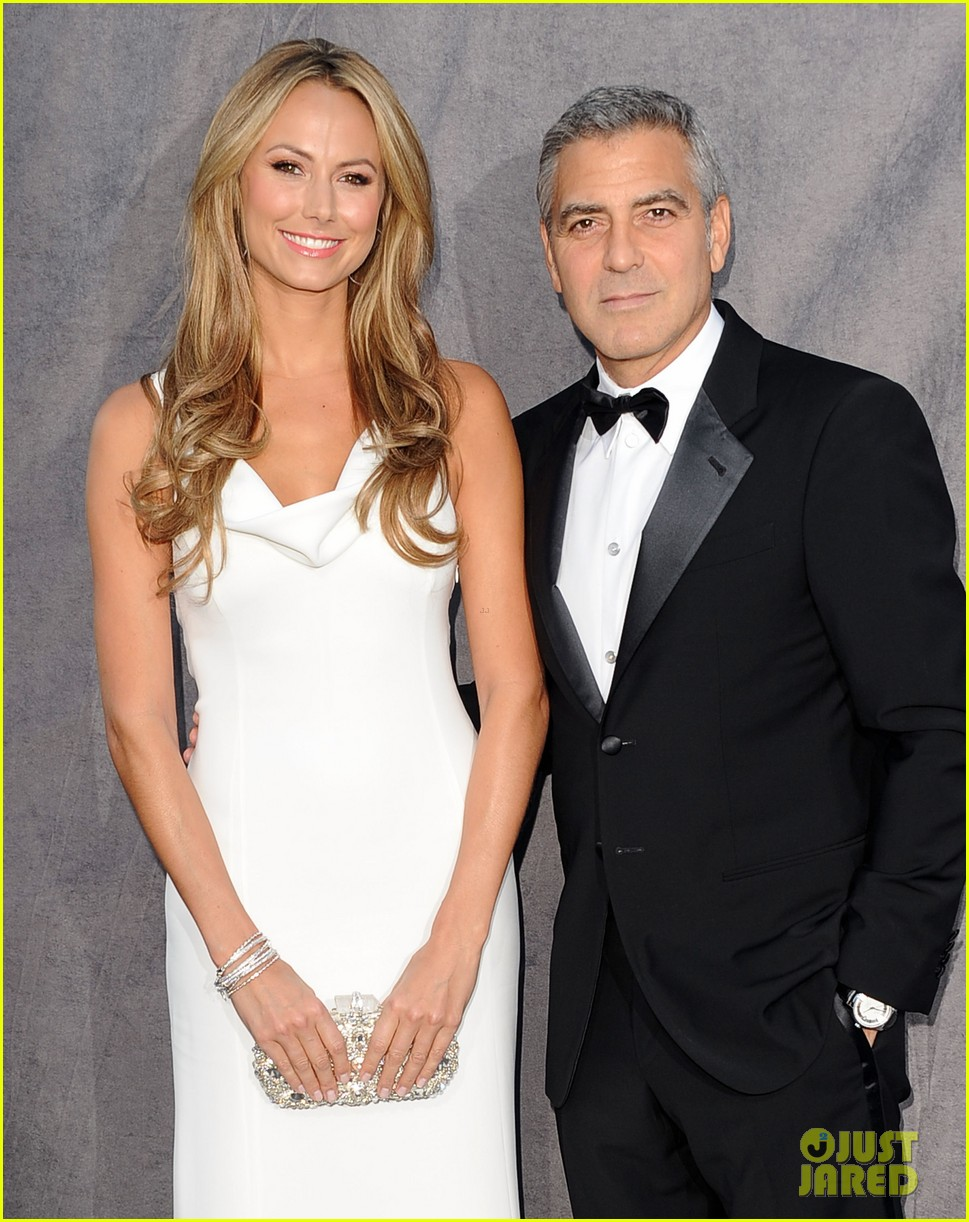george clooney stacy keibler 2012 critics choice awards 02
