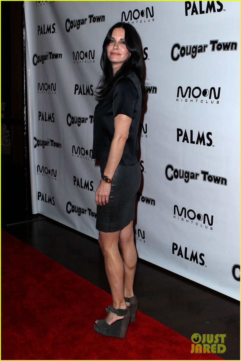 courteney cox cougar town viewing party las vegas 09