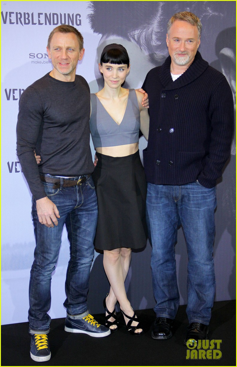 daniel craig rooney mara dragon tattoo berlin photo call 03