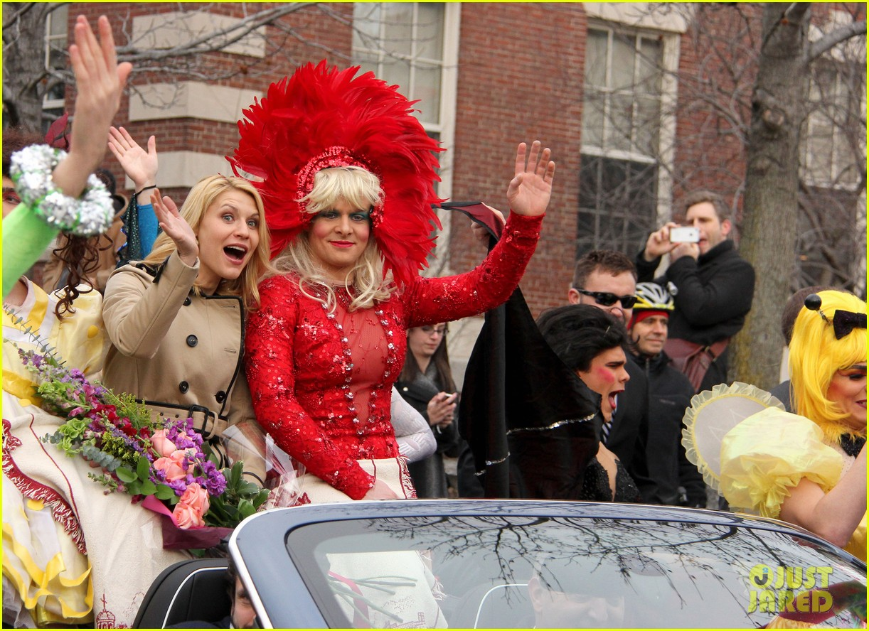 claire danes hasty pudding parade photo claire danes claire danes hasty pudding parade