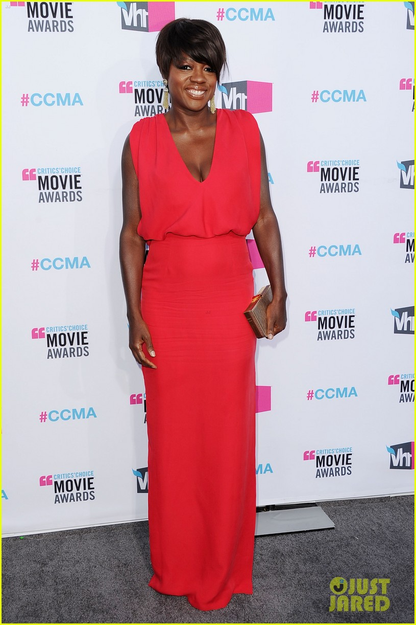 viola davis octavia spencer 2012 critics choice awards 02