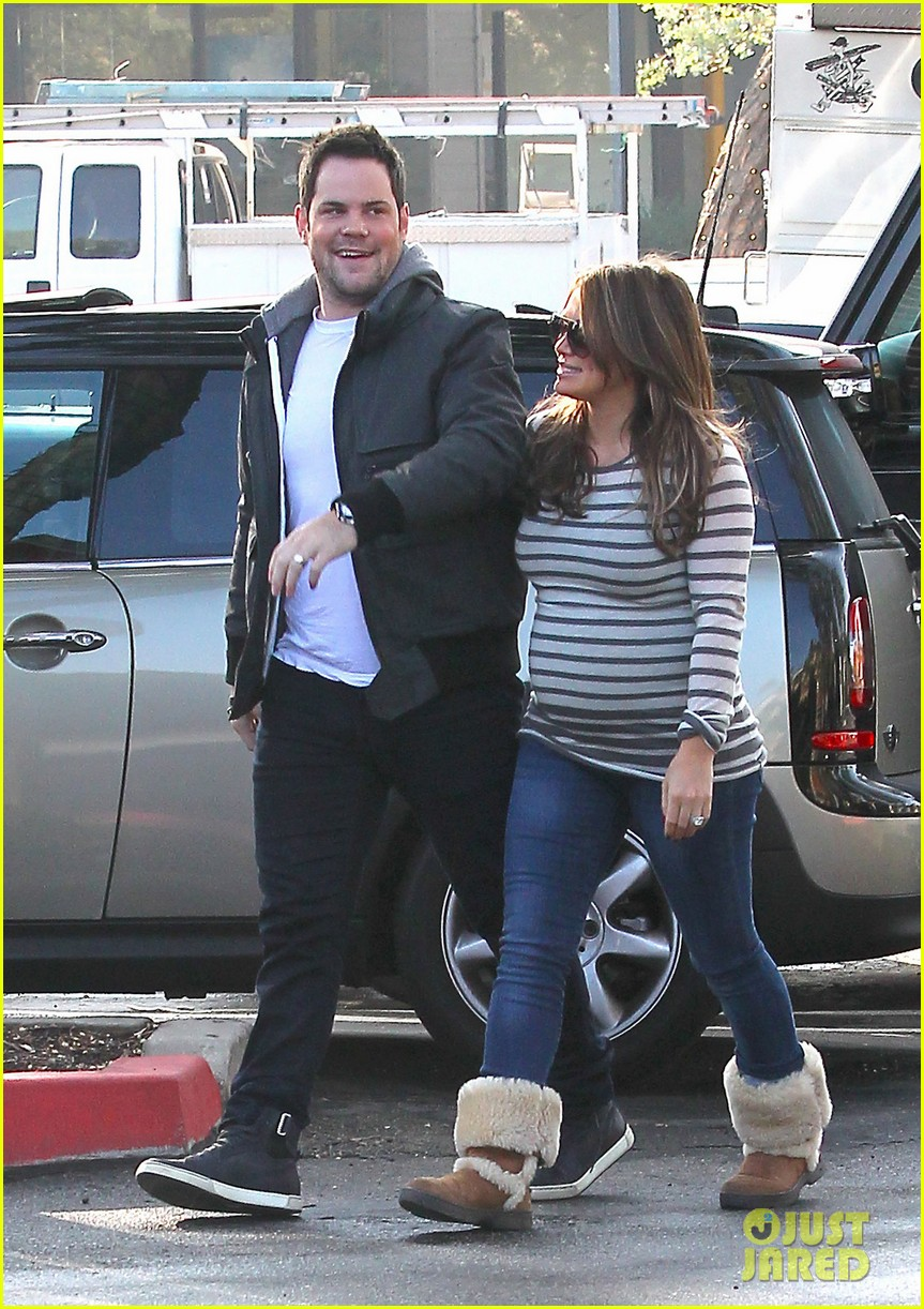 hilary duff starbucks mike comrie 02