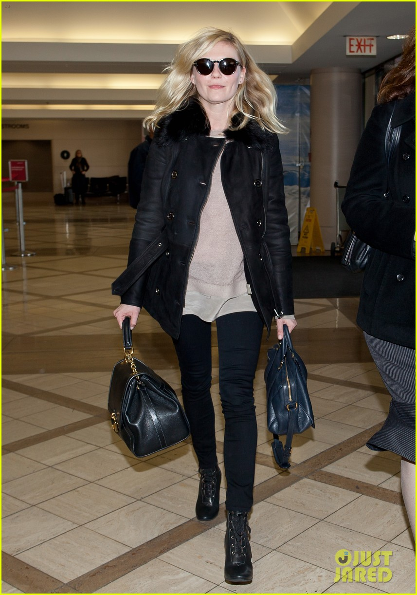 kirsten dunst airport security check 022620498