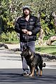 jennifer garner pregnant errands ben affleck walking dog 11