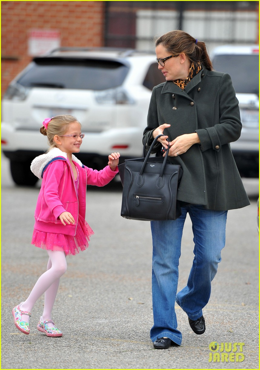 jennifer garner ballet class exit with violet 06
