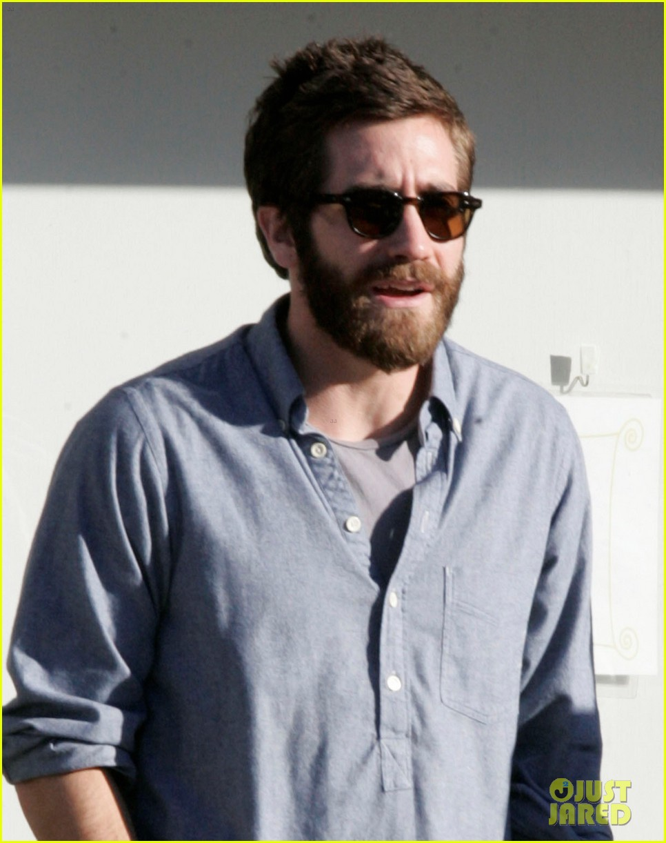 jake gyllenhaal sushi lunch 03