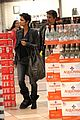halle berry olivier martinez groceries 04