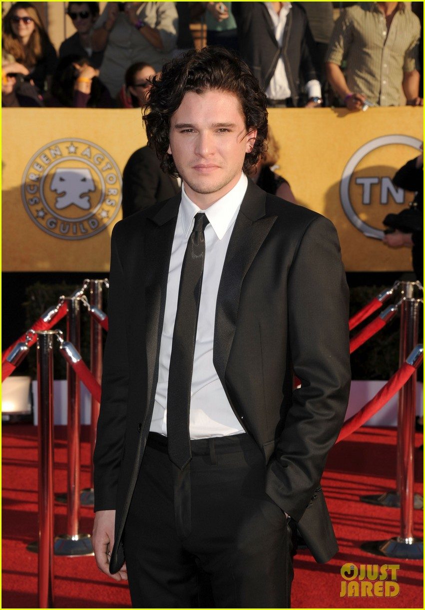 kit harington emilia clarke 2012 sag awards 04