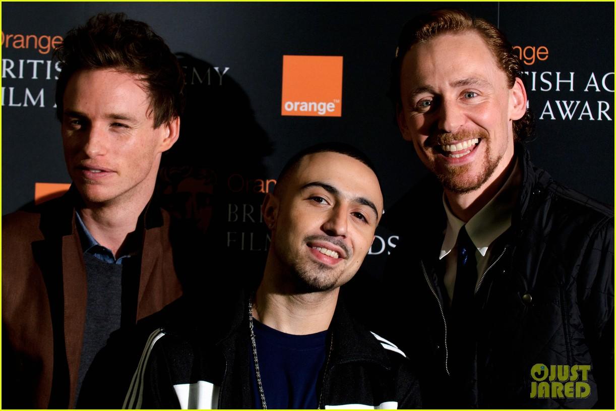 tom hiddleston eddie redmayne bafta orange 08