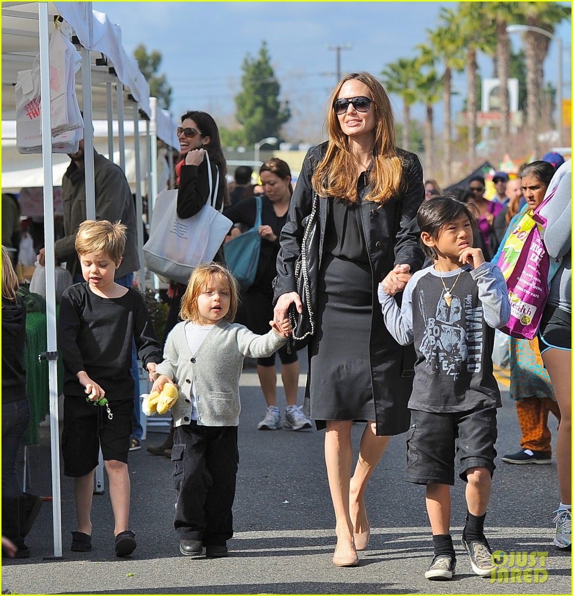 angelina jolie kids farmers market 03