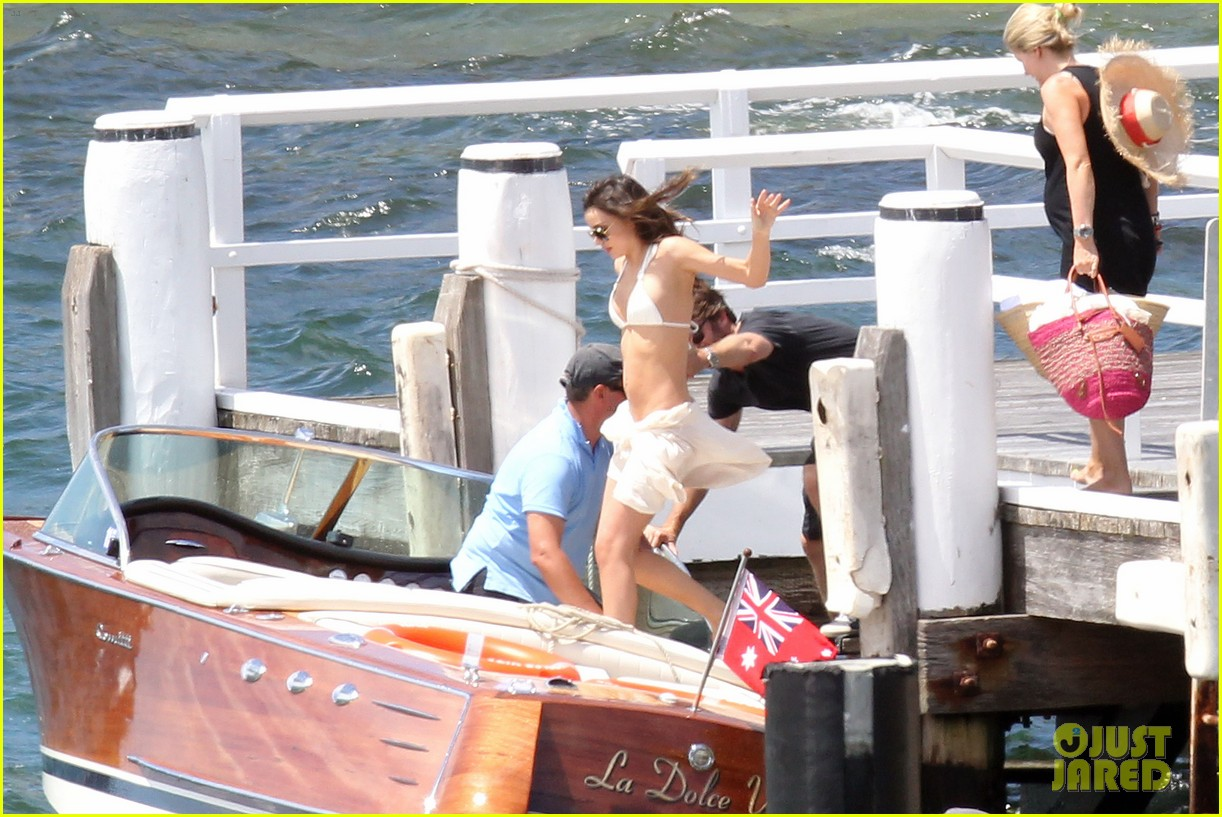 miranda kerr bikini photo shoot lunch mom flynn 09