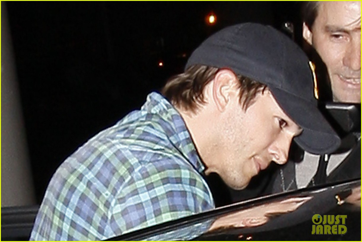 ashton kutcher returns la 01