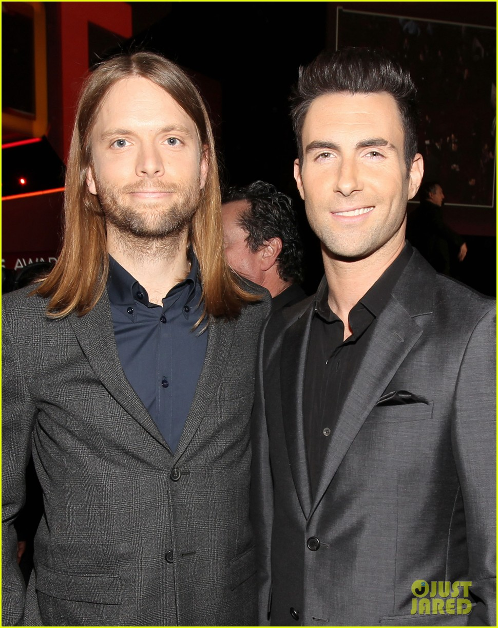 adam levine zachary levi peoples choice 2012 152616725