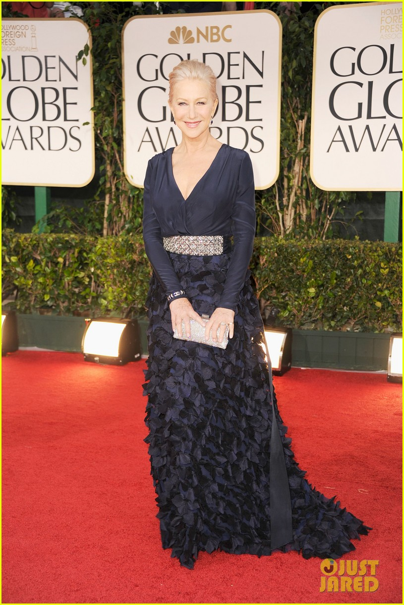 helen mirren 2012 golden globes red carpet 02