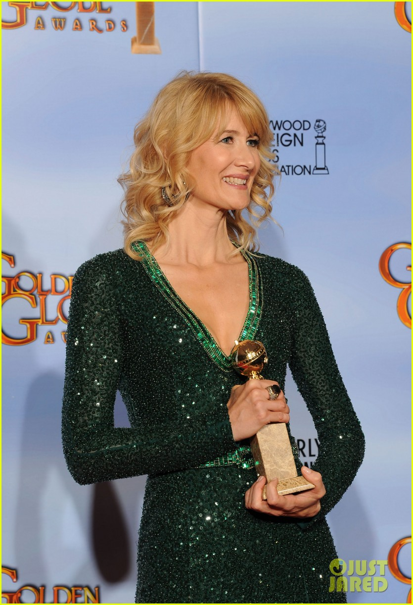julianne moore laura dern golden globes 10