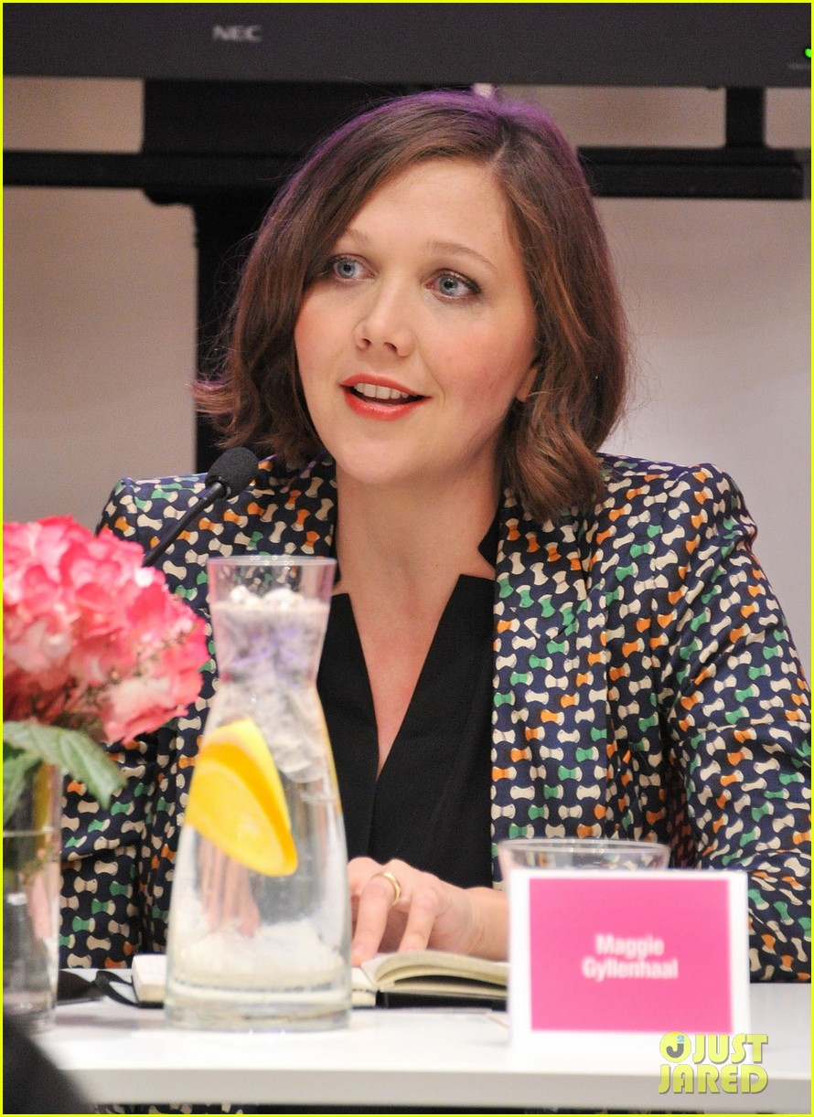 julianne moore maggie gyllenhaal political discussion 06