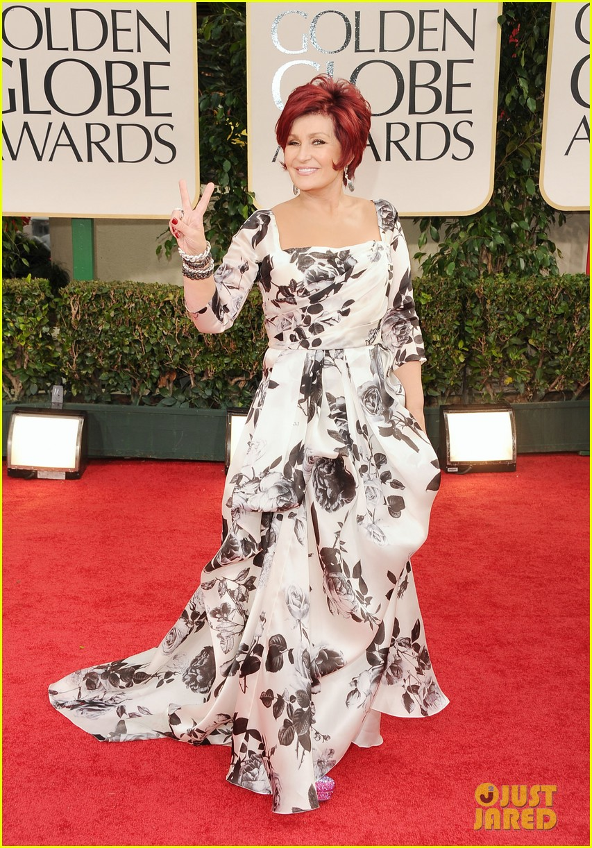 kelly osbourne golden globes 2012 red carpet 07