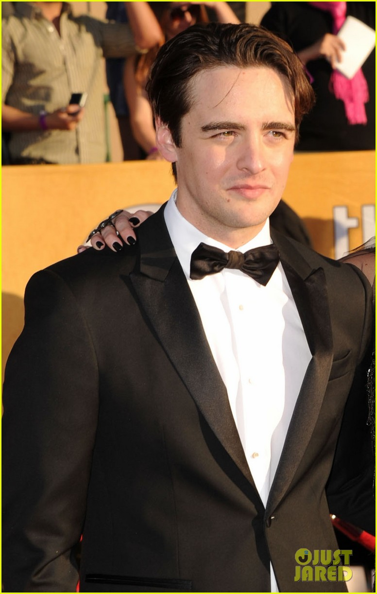 ashlee simpson vincent piazza 2012 sag awards 01