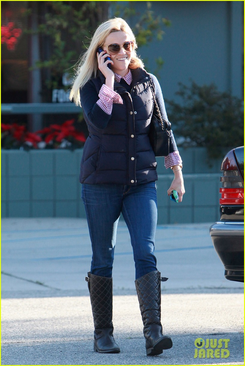 reese witherspoon phone call 102619375