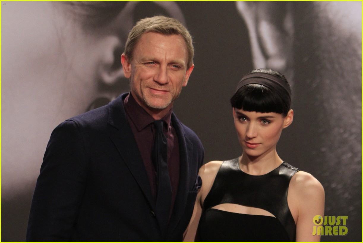 daniel craig rooney mara dragton germany premiere 05