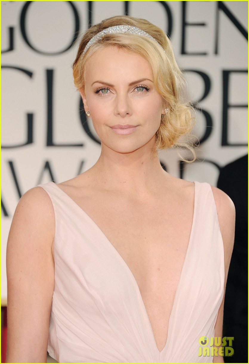 charlize theron golden globes 02