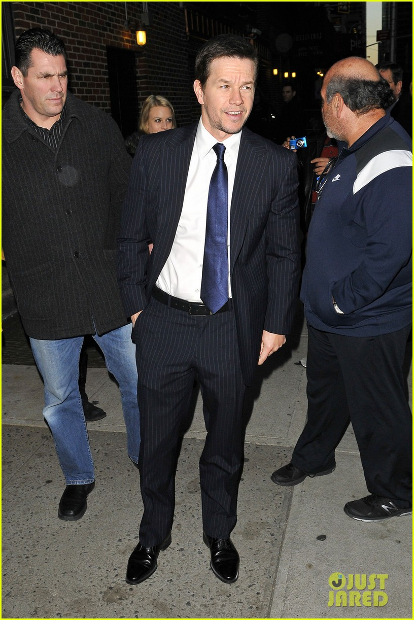 mark wahlberg late show with david letterman visit 09
