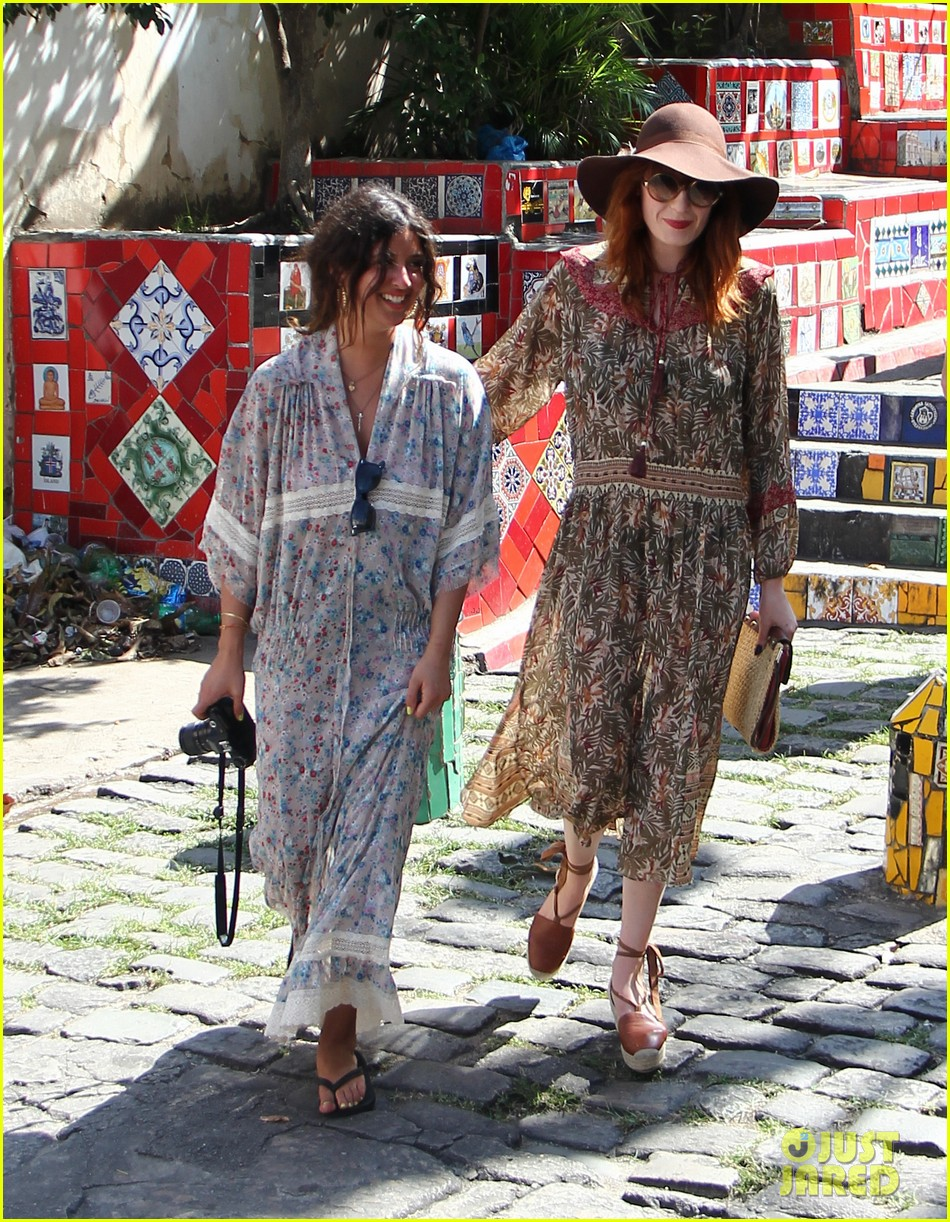 florence welch hits the beach with new boyfriend 37