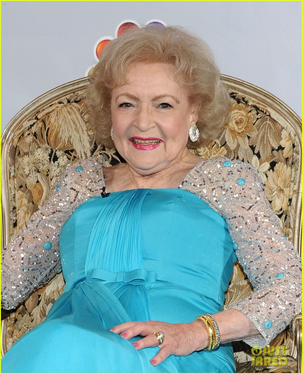 betty white 90th birthday party 082615894