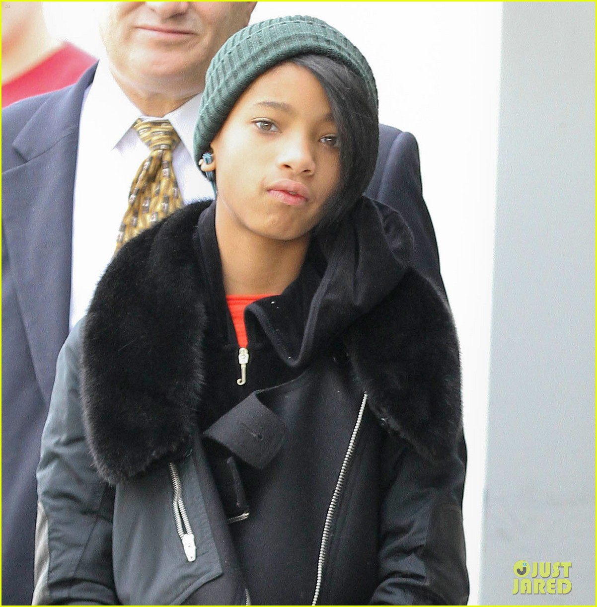 willow smith beanie n boots 02