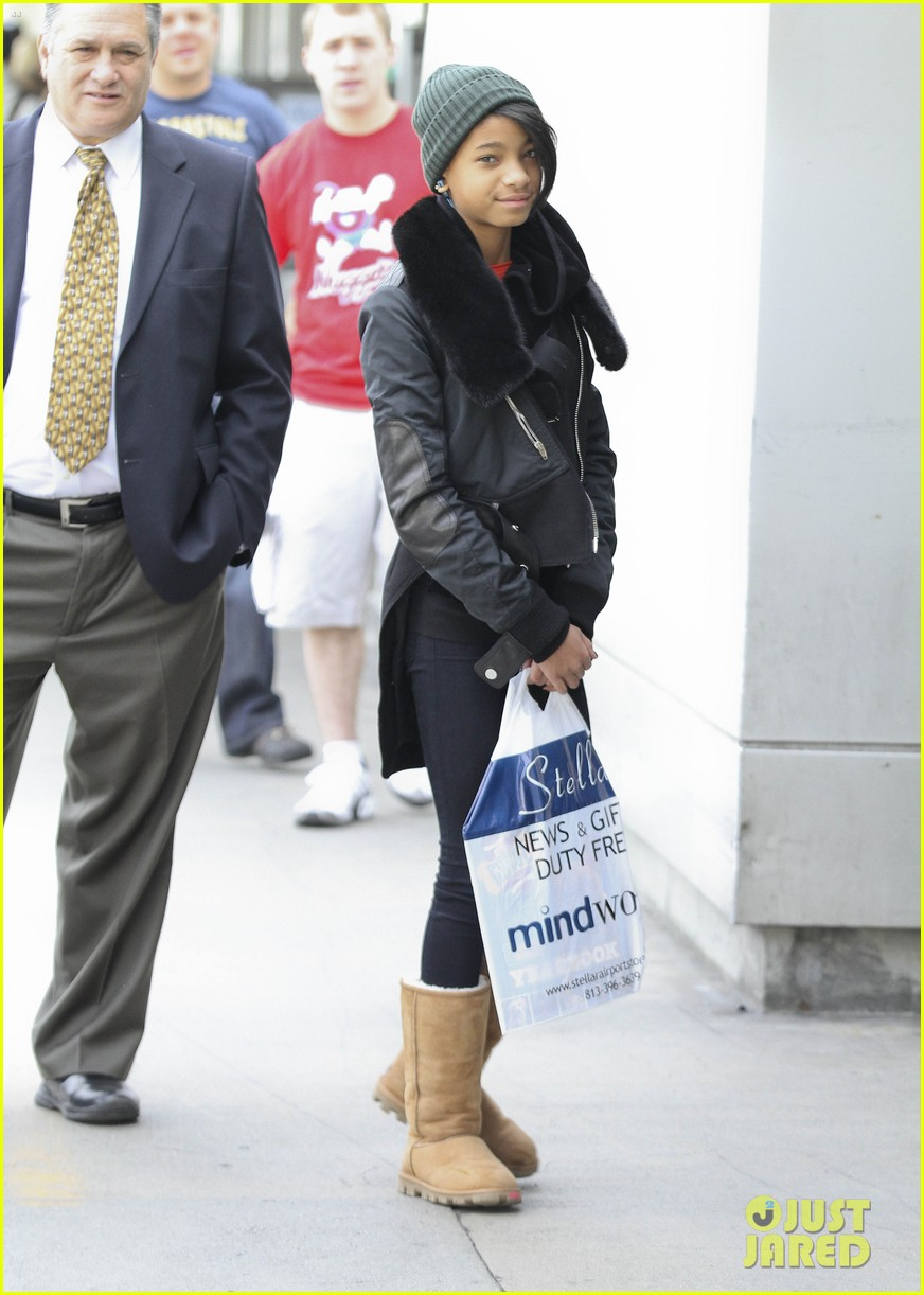willow smith beanie n boots 03