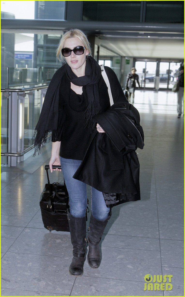 kate winslet heathrow airport 022623957