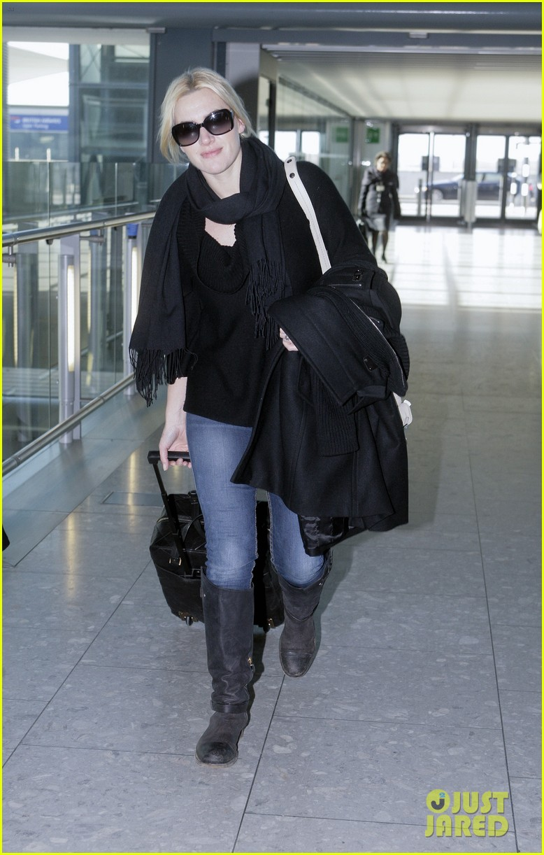 kate winslet heathrow airport 03