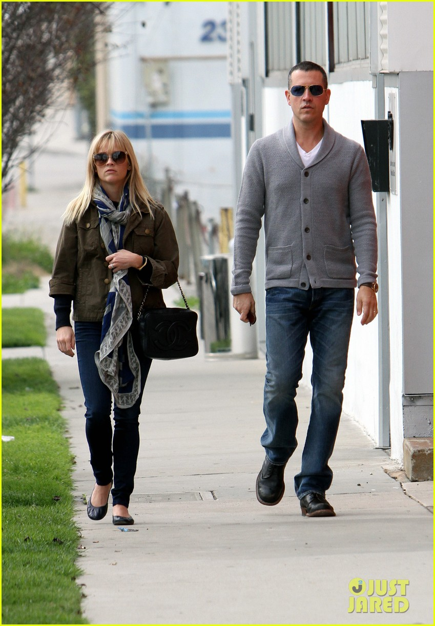 reese witherspoon jim toth sunday church 01