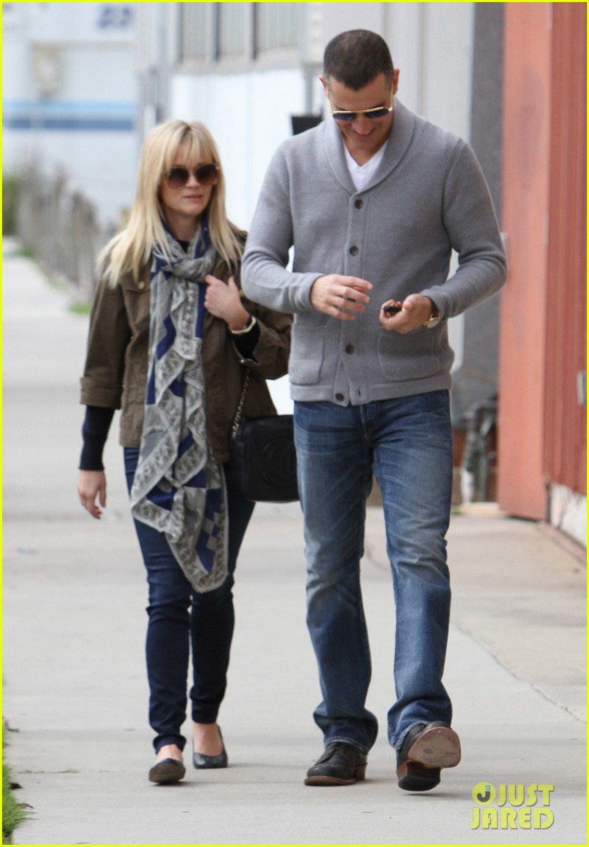 reese witherspoon jim toth sunday church 07