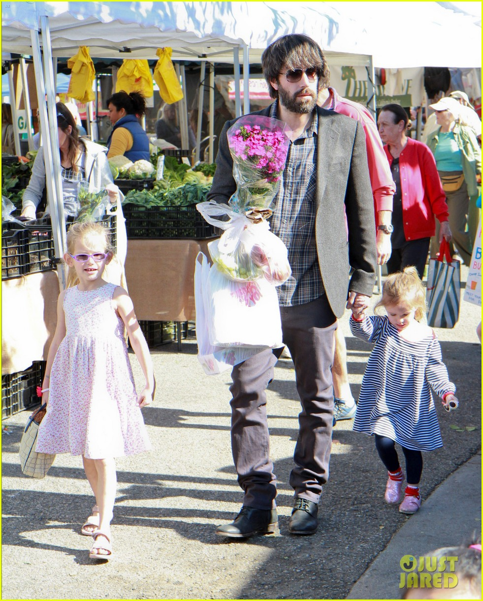 ben affleck daughters farmers market 182625828