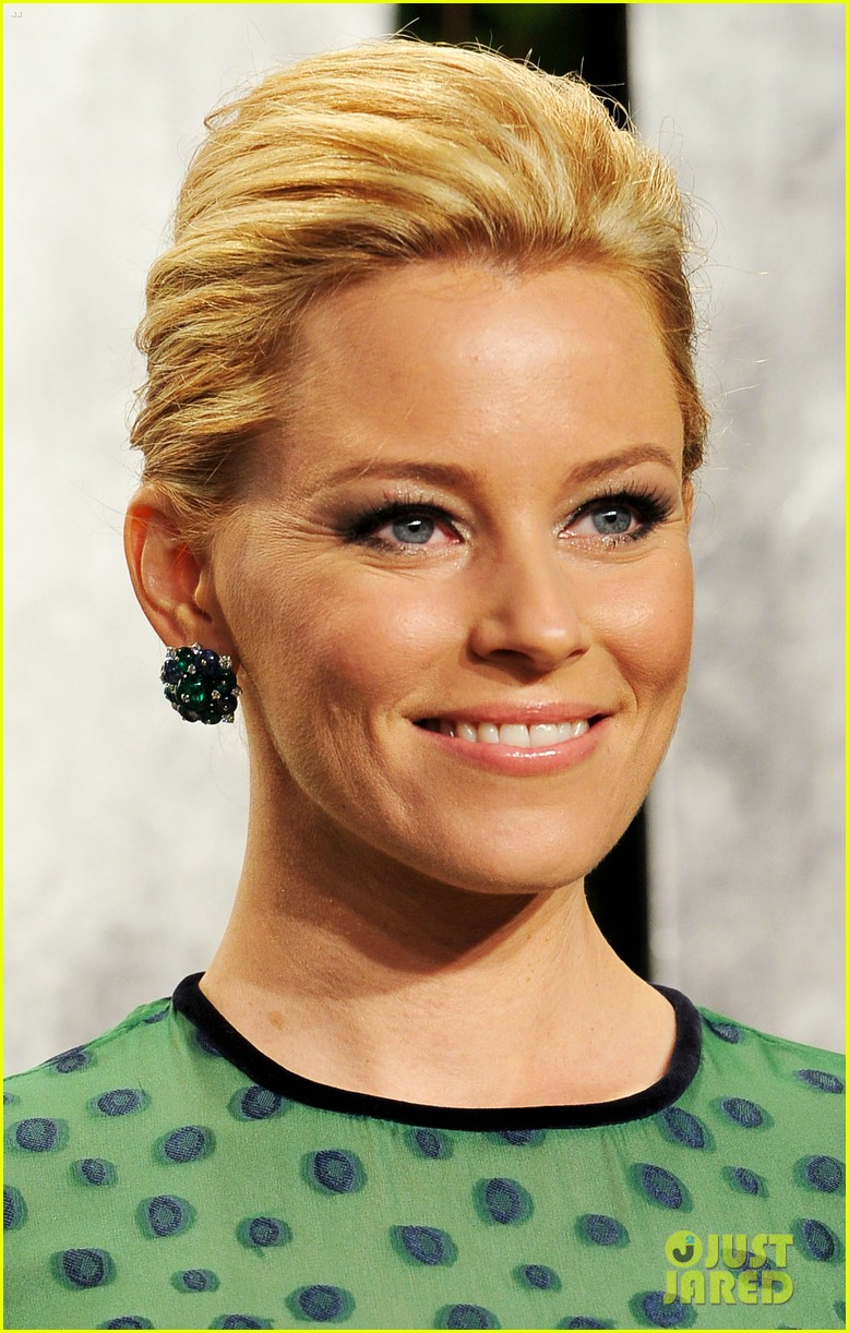 elizabeth banks julie bowen vanity fair oscar party 092634042