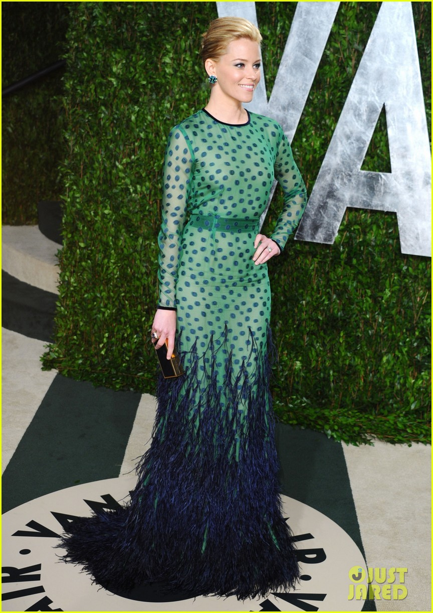 elizabeth banks julie bowen vanity fair oscar party 10