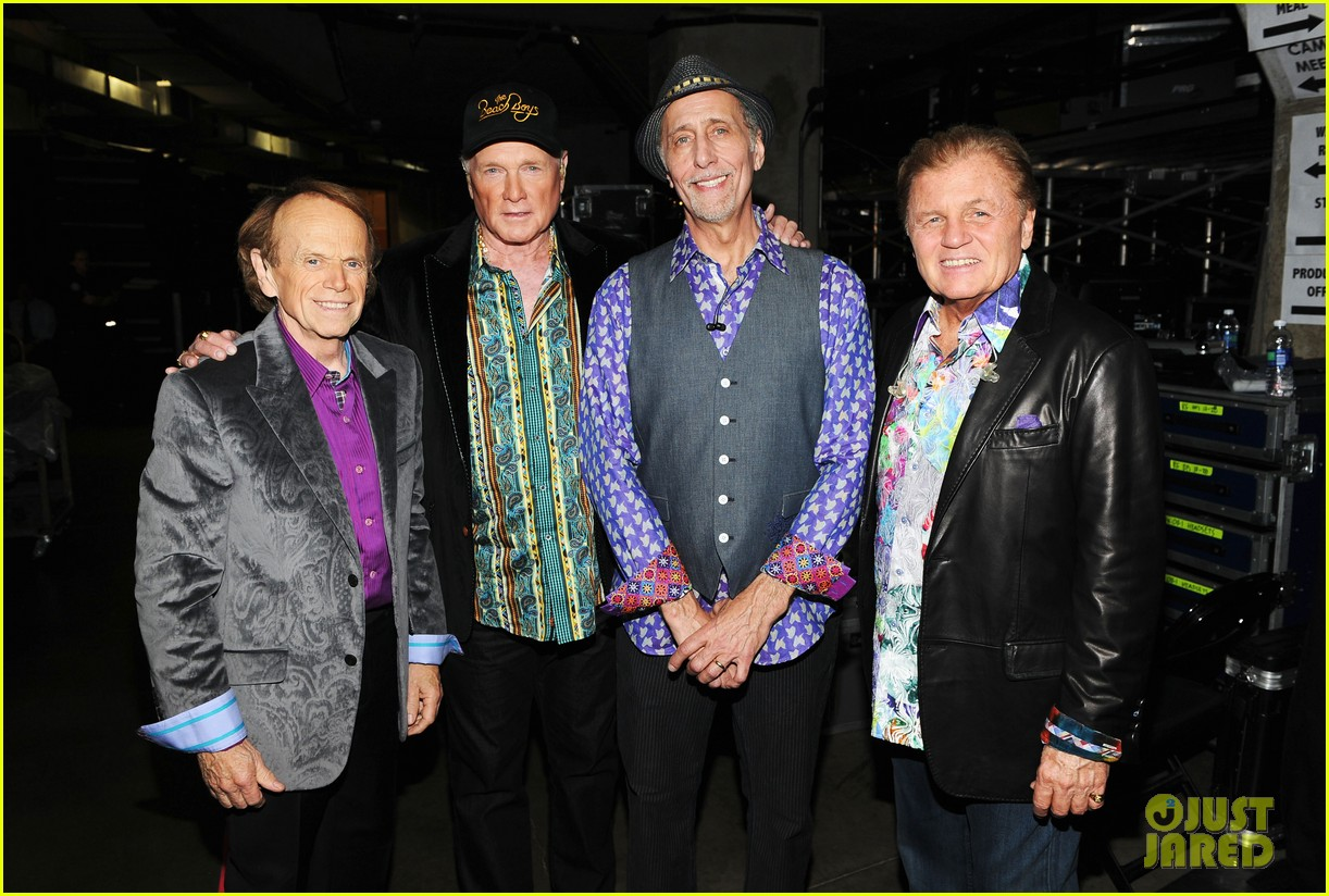 beach boys tribute grammys 01