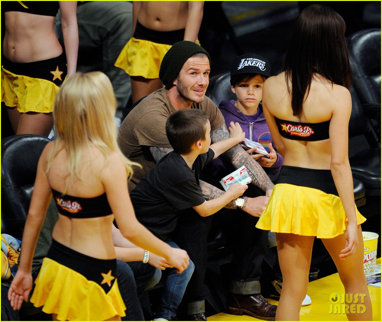 david beckham lakers game with the boys 08