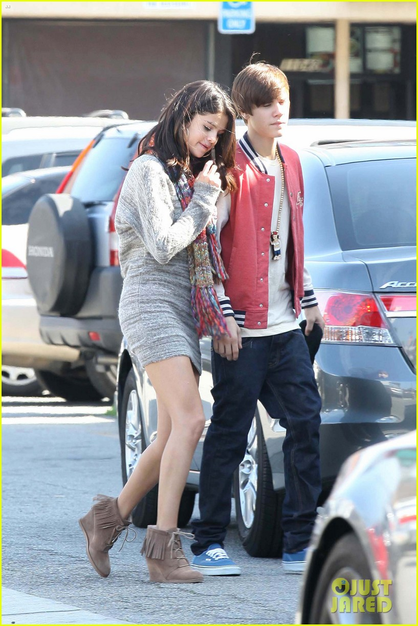 justin bieber selena gomez saturday night date 08