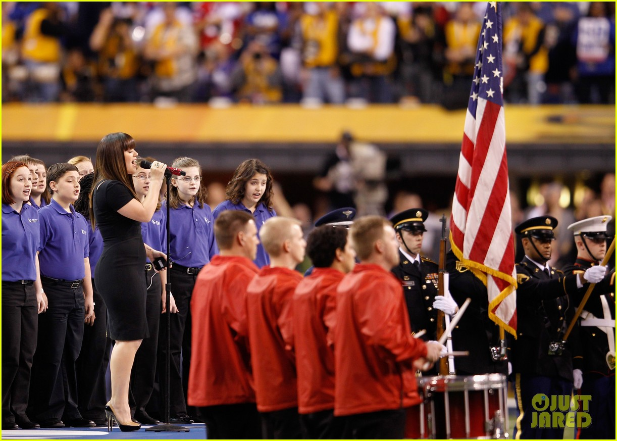 kelly clarkson national anthem 022625711
