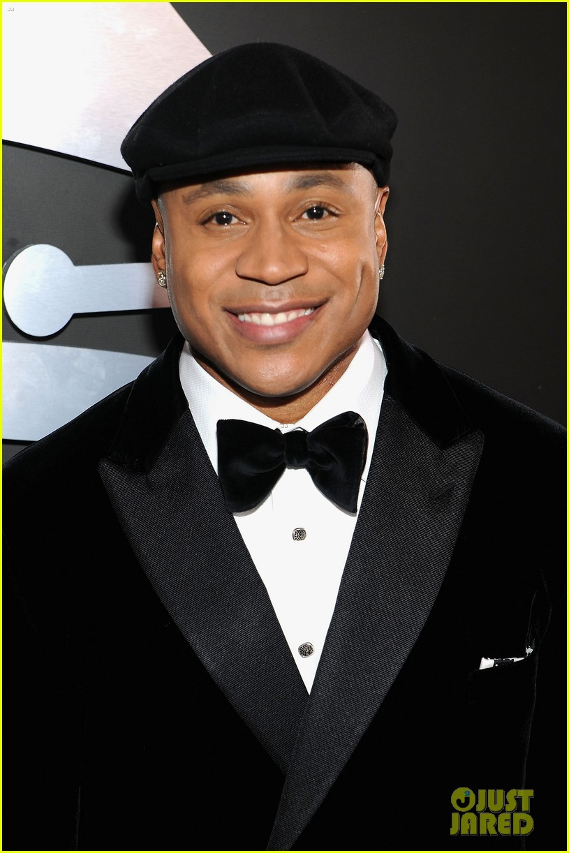 ll cool j grammys 2012 red carpet 052628200